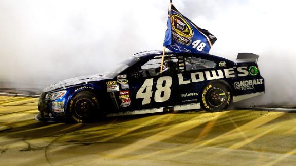 dm_131117_NASCAR_Highlight